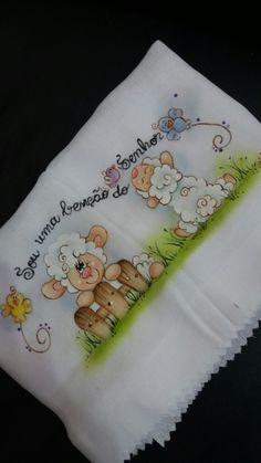 Fralda de passeio. Kids Fashion Wear, Baby Quilt Patterns, Country Paintings, Felt Food, Boy Pictures, Cute Animal Drawings, Preschool Art, Summer Crafts, Applique Designs