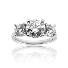 Reis-Nichols Jewelers : Platinum Three Stone Diamond Engagement Ring