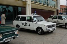SEAT 124 BREAK 2ª SERIE Police Cars, Police Vehicles, Police Uniforms, Retro Cars, Fiat, Jeep, Classic Cars, Automobile, Trucks