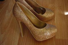 8a461a722d101b Goldene High Heels - Hohe Schuhe - kleiderkreisel.de Goldene Schuhe