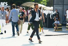 tommy ton street style pitti uomo suit sockless italian men