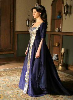 Queen Lysandra