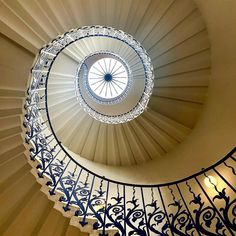 The breathtaking sweeping Tulip Stairs at the Queen's House by Inigo Jones, the first centrally unsupported helical stair in… Beautiful Stairs, Ceiling Lights, Mirror, Interior Design, Architecture, Tulip, House, Instagram, Queen