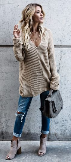 Some nude knit accents to add to your wardrobe this season #omgoutfitideas #styleinspiration #womenswear