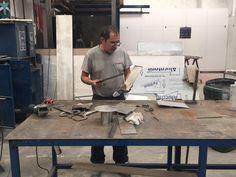 Fabricamos mobiliario en diversos materiales para retail, hotelería, comercio y más. #LMIProducciones
