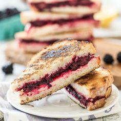 Lemon-Lavender Blackberry & Ricotta Grilled Cheese Sandwiches: They're perfect for summer and totally vegan!