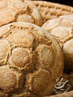 La ricetta del Pane di grano saraceno è una delle più genuine: grazie agli ingredienti salutari che la compongono, conquisterà tutta la famiglia. Foods With Gluten, Gluten Free Recipes, Pizza E Pasta, Pan Sin Gluten, Brunch, B Food, Italian Desserts, Light Recipes, Grain Free