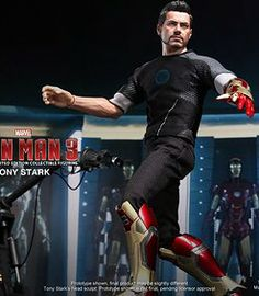 Tony stark 1/6 action figure, from Iron Man 3 movie. Product in stock.