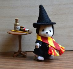 Gryffindor Calico Critter Beagle girl 15 pieces by CatzillasMinis