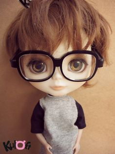 obsession of blythe. if i win the lotto, i will start collecting.