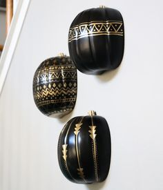 A Kailo Chic Life: Craft It - Black and Gold Tribal Pumpkins Halloween Gourds, Fall Halloween, Halloween Crafts, Halloween Decorations, Halloween Party, Fall Crafts, Holiday Crafts, Diy Crafts, Easter Crafts