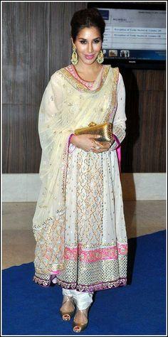 Singer, Actor, Producer @Sophie_Choudry at Singer Toshi Sabri's Wedding Reception in Jan, 2014 in #Anarkali w/ Brilliant Details
