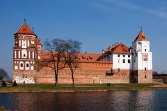 https://flic.kr/p/duRYpz | Mir_Castle 1.8, Mir, Belarus | The little lake south of the castle.