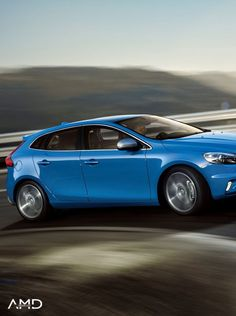 Every detail of the Volvo V40 has been designed with you in mind!   The Volvo V40 R-Design meets the needs of the most demanding driver! Have a look!