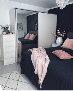 This is a Bedroom Interior Design Ideas. House is a private bedroom and is usually hidden from our guests. However, it is important to her, not only for comfort but also style. Much of our bedroom … Dream Rooms, Dream Bedroom, Home Bedroom, Bedroom Black, Master Bedroom, Teen Bedroom Colors, Navy Bedrooms, Bedroom Themes, Black Bedding