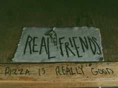 Does a pop punk pizza party sound good to you? <3