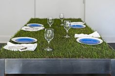 6 Far-Sighted Clever Tips: Artificial Grass Before And After artificial plants living room.Plants Indoor Names indoor artificial plants houseplant. Unique Dining Tables, Dining Room Table, A Table, Patio Table, Dinner Table, Pasto Natural, City Apartment, Apartment Therapy, Design Apartment