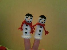 In it to kawaiify it: Snowman finger puppet: free pattern :)