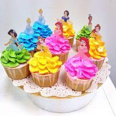 E estes cupcakes, que brilhantemente transformam glacê em vestidos. | 27 bolos de princesas da Disney que vão te surpreender