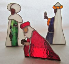 stained glass creche - Google Search... Anyone have the rest of the characters for this like Baby Jesus, Mary, Joseph, shepherd??