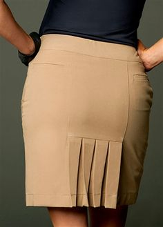 Lizzie Driver Khaki Swing Pleat #Golf Skort | #Golf4Her