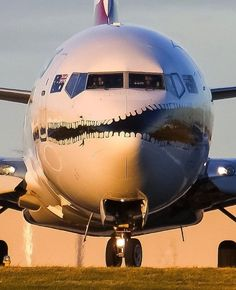 This Boeing is Awesome 😍 or NOT 👎🏻? Great view of a Qantas Airways Boeing taxiing before take-off out of Melbourne intl. Airplane Window, Airplane Art, Commercial Plane, Commercial Aircraft, Aviation Humor, Civil Aviation, Qantas Airlines, Photo Avion, Aircraft Painting