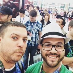 Ya listo en la mega fila de entrada del #e32016 #e3. A disfrutarnos el último día. Ya mañana de vuelta a #PuertoRico #infogamers