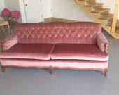 Vintage tufted sofa with wood frame. SHIPPING INCLUDED!!