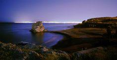 Playa de Peñón del Cuervo (Rincón de la Victoria, Málaga) - Las mejores playas de España para ver el atardecer