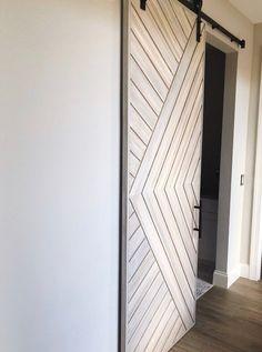 Modern Sliding Doors, Modern Door, Modern Barn Doors, Modern Closet Doors, Barn Door Closet, Sliding Closet Doors, Diy Sliding Door, Barn Door In Bedroom, Sliding Door Design