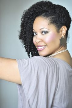 Click the image for Eclark6 aka Ebony's natural hair photos and regimen