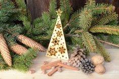 Nowoczesna trójkątna forma wpisze się w każde wnętrze 🎄 #christmas #christmastree #homedecor #handmade #swieta #święta #bozenarodzenie #bożenarodzenie #wood #woodcut #woodengraving #woodworking #plywood #drewno #sklejka #birch #laser #lasercut #lasercutting #laserengraved #engraving #grawer #grawerowane #grawnet Wood Cut, Christmas Ornaments, Holiday Decor, Winter, Home Decor, Winter Time, Decoration Home, Room Decor, Christmas Jewelry