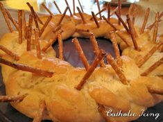 Crown of Thorns Bread - good exhibit (and discussion) for children on Easter.  So easy!