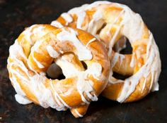 Hungarian Recipes, Bread Rolls, Onion Rings, Winter Food, Bagel, Bread Recipes, Shrimp, Muffin, Food And Drink