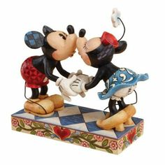 Disney Traditions by Jim Shore 4013989 Mickey and Minnie Mouse Kissing Figurine…
