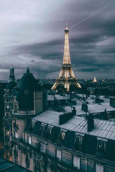 Toits de Paris- France- Eiffel Tower on a gloomy day-grey clouds Tour Eiffel, Torre Eiffel Paris, Paris Eiffel Tower, Eiffel Tower At Night, Paris Photography, Travel Photography, Photography Lighting, Photography Tips, Landscape Photography