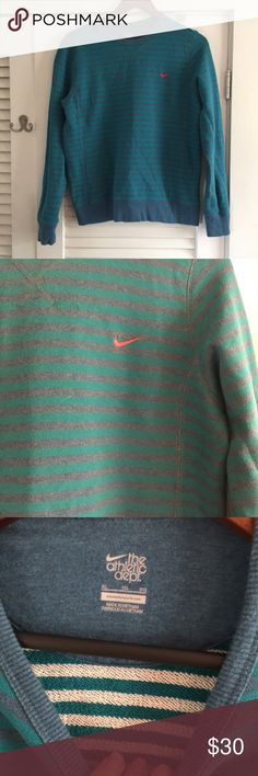 VINTAGE NIKE PULLOVER SWEATER Iike new!!! Not a sign of wear!!! Super vintage looking Nike Sweaters Crew & Scoop Necks