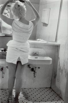 Marilyn Monroe photographed by Eve Arnold in 1955
