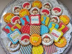 Galletas personalizadas para Cumpleaños - Estademama Boys 1st Birthday Cake, Circus Birthday, Circus Theme, Circus Party, First Birthday Parties, Birthday Party Themes, First Birthdays, Party Cakes, Cookie Decorating