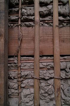 Japanese Architecture - traditional japanese house construction by shinzo fukui Vernacular Architecture, Japanese Architecture, Architecture Details, Installation Architecture, Modern Architecture, Wattle And Daub, Traditional Japanese House, Natural Building, Japanese Design