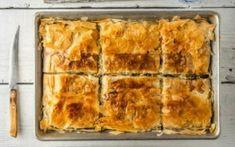 Σπανακόπιτα με φύλλο κρούστας Is Egg Dairy, Spanakopita Recipe, Greek Spinach Pie, Cheese Alternatives, Filo Pastry, Dairy Free Cheese, Substitute For Egg, Greek Dishes, Chopped Spinach