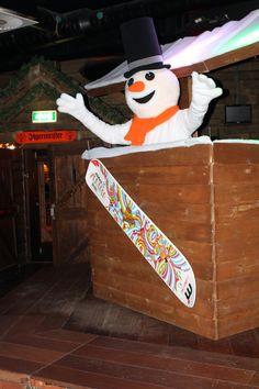 Welkom allemaal in mijn Snowparadijs! Ja ja, het feest gaat beginnen! Iedereen doe je handen in de lucht! #DJSNOWY