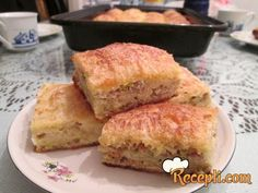 Recept za Pitu sa meso. Za spremanje pite neophodno je pripremiti kore, mleveno meso, praziluk, pavlaku, jaja, prašak za pecivo, začin, ulje.