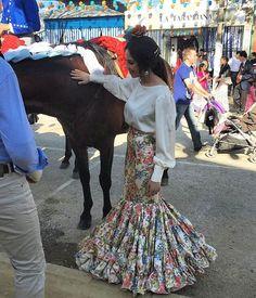 Falda de flamenca estampada con camisa beig @mariagn_