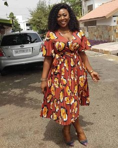 See these 45 PHOTOS: Latest Ankara Styles by Roselyn - African Wear. Here are some African dresses/Ankara styles by Roselyn also known on Long Ankara Dresses, Ankara Short Gown Styles, Latest African Fashion Dresses, African Print Dresses, African Dresses For Women, African Print Fashion, Africa Fashion, Ankara Fashion, Unique Ankara Styles