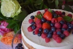 CÁCORkA: Můj narozeninový dort Lehký korpus s kávou a jogurotvo - šlehačková náplň Raspberry, Fruit, Cake, Food, Pie Cake, Meal, The Fruit, Cakes, Essen
