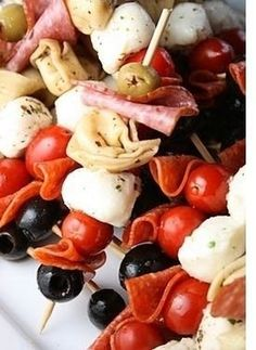 """antipasto kabob - so delish (although we had thse on New Year's when my daughter had her first nut allergy reaction. They kept asking """"what did she eat"""" and I kept saying """"What did she NOT eat? We had antipasto skewers and a big tray of other appetizers"""" Think Food, I Love Food, Food For Thought, Good Food, Yummy Food, Yummy Snacks, Yummy Appetizers, Appetizers For Party, Gastronomia"""