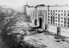 Реконструкция улицы Горького, 1937 год (Фото: Наум Грановский / Фотохроника ТАСС)