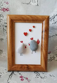 Pebble art Chickens in love freestanding frame home decor house warming gift new Fun Arts And Crafts, Rock Crafts, Cute Crafts, Sea Glass Crafts, Sea Glass Art, Art Activities For Kids, Art For Kids, Pebble Art Family, Chicken Crafts