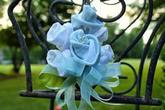 Are you planning a baby shower? Looking for some inspiration for the baby shower corsage? Never fear, I have found 37 amazing baby shower corsages to give you plenty of inspiration to . Baby Sock Corsage, Baby Sock Bouquet, Diaper Bouquet, Baby Shower Oso, Baby Shower Diapers, Baby Shower Crafts, Baby Shower Decorations, Shower Gifts, Shower Favors